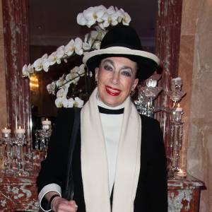 On espère que Geneviève de Fontenay aura aimé l'imitation !