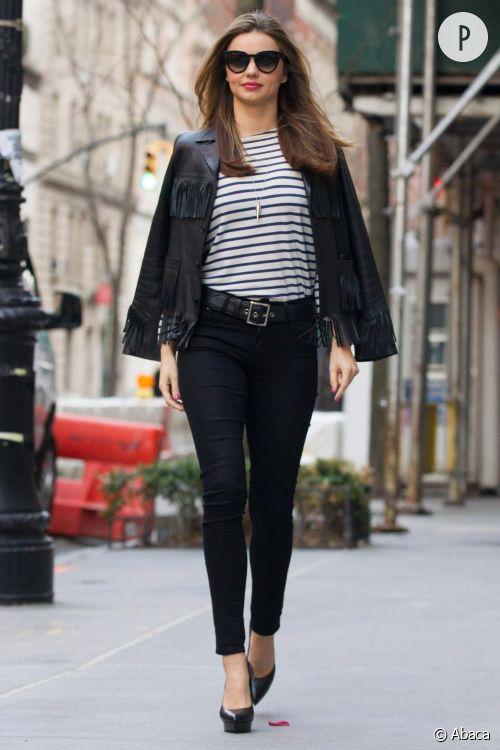 Miranda Kerr en plein shooting photo dans les rues de New York.