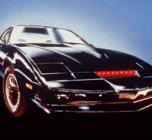 """KITT, la voiture qui parle de """"K 2000"""" révélée en 1982."""