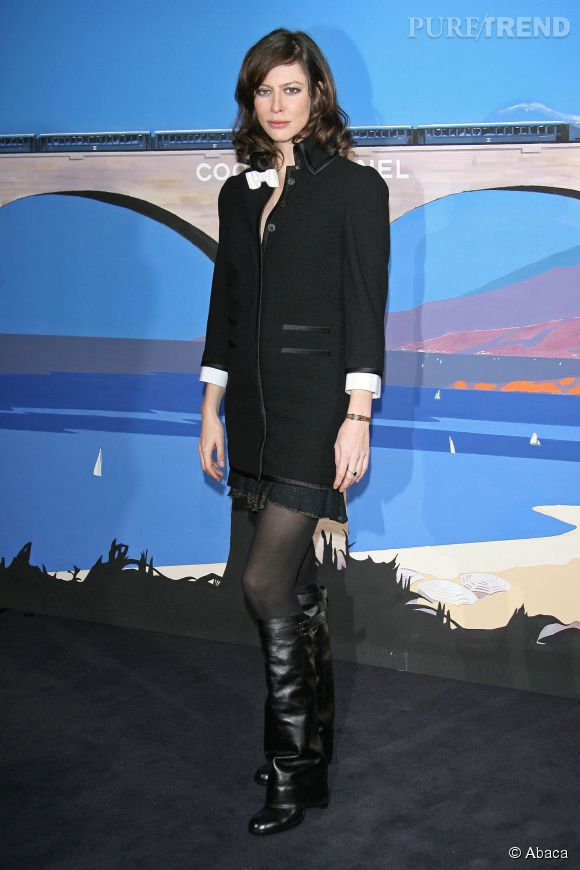 Anna Mouglalis, très rock pour le défilé Chanel organisé à Monte-Carlo en décembre 2006.