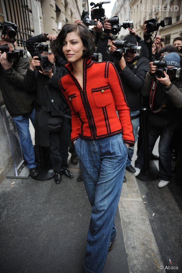 Anna Mouglalis façon boyish pour le défilé Chanel Haute-Couture Printemps-Eté 2009.