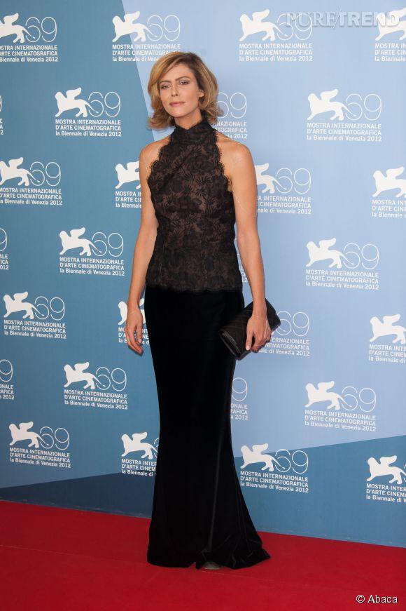 Anna Mouglalis, devenue blonde, à la Mostra de Venise en septembre 2012.