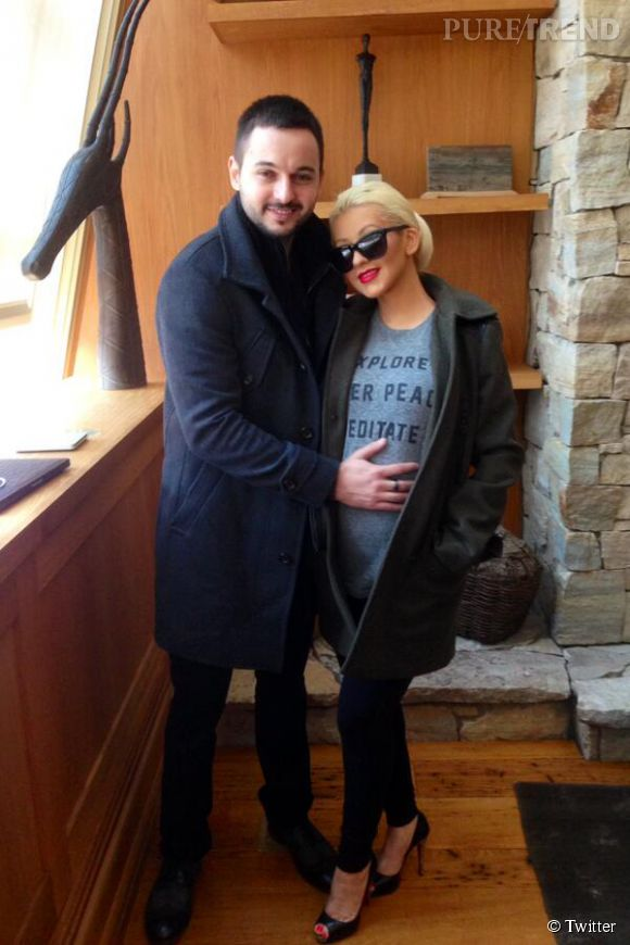 Christina Aguilera dévoile son baby bump sur Twitter le 17 avril 2014.