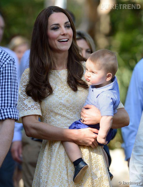 Catherine Middleton et le prince William ont ensuite fait découvrir le zoo de Taronga (Sydney) à leur petit prince George, le dimanche 20 avril 2014.