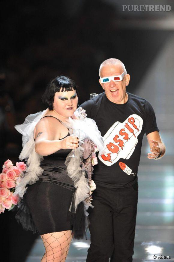 Beth Ditto sur le catwalk de Jean Paul Gaultier en 2011.