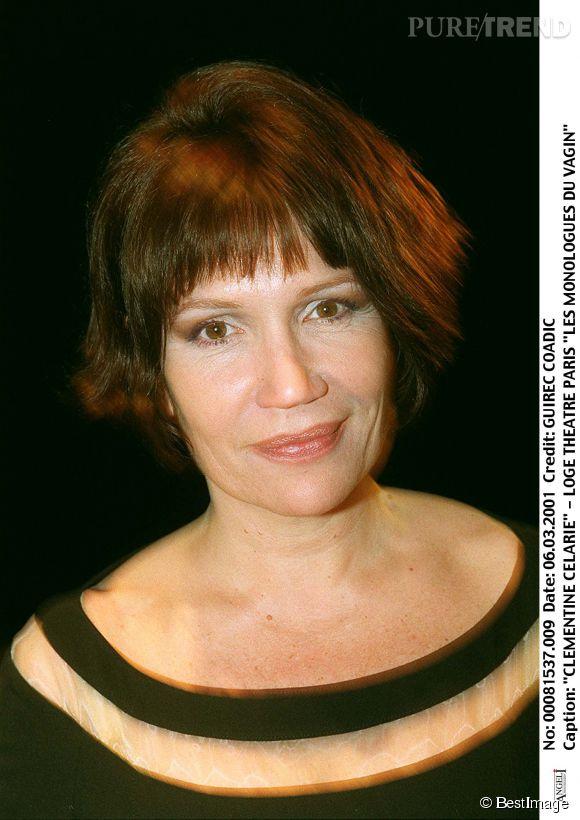 Clémentine Célarié opte pour une coupe courte et châtain en mars 2011.