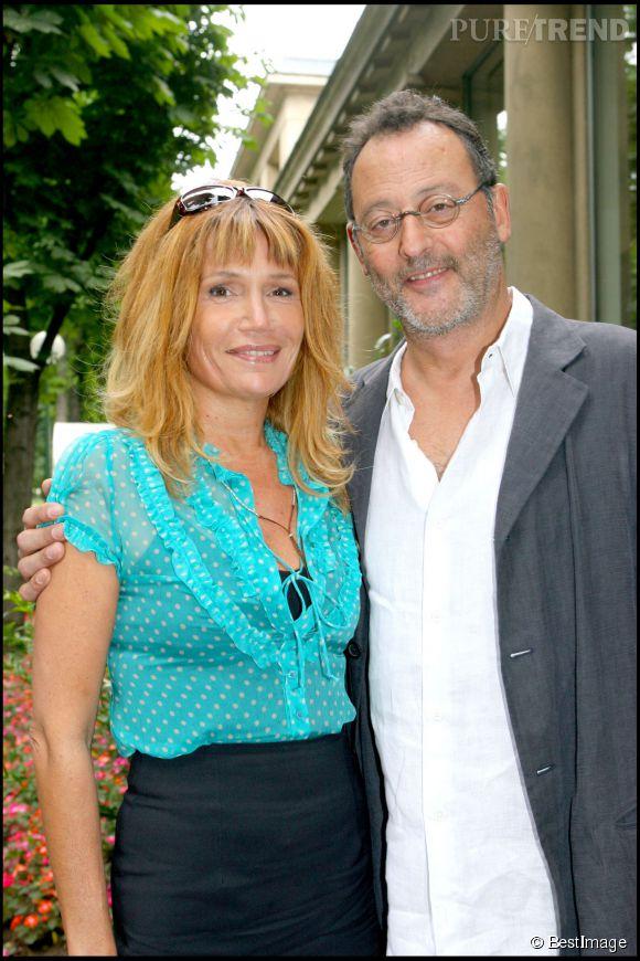 Clémentine Célarié et son blond lumineux en juin 2006 avec Jean Reno.