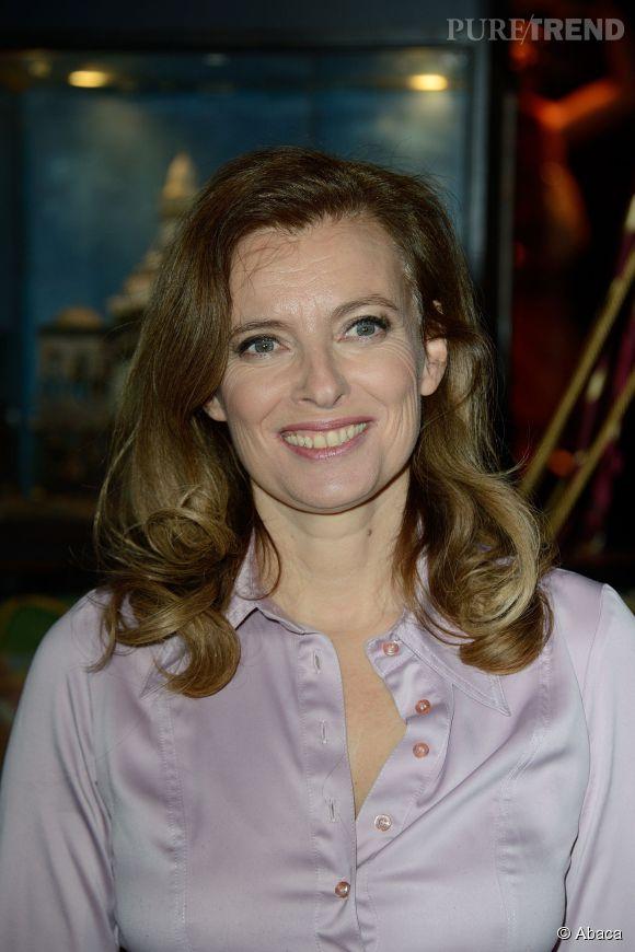 """Valérie Trierweiler, après la fin du chaos médiatique, elle apporte """"son soutien"""" à Hollande dans son rôle de chef de l'Etat."""