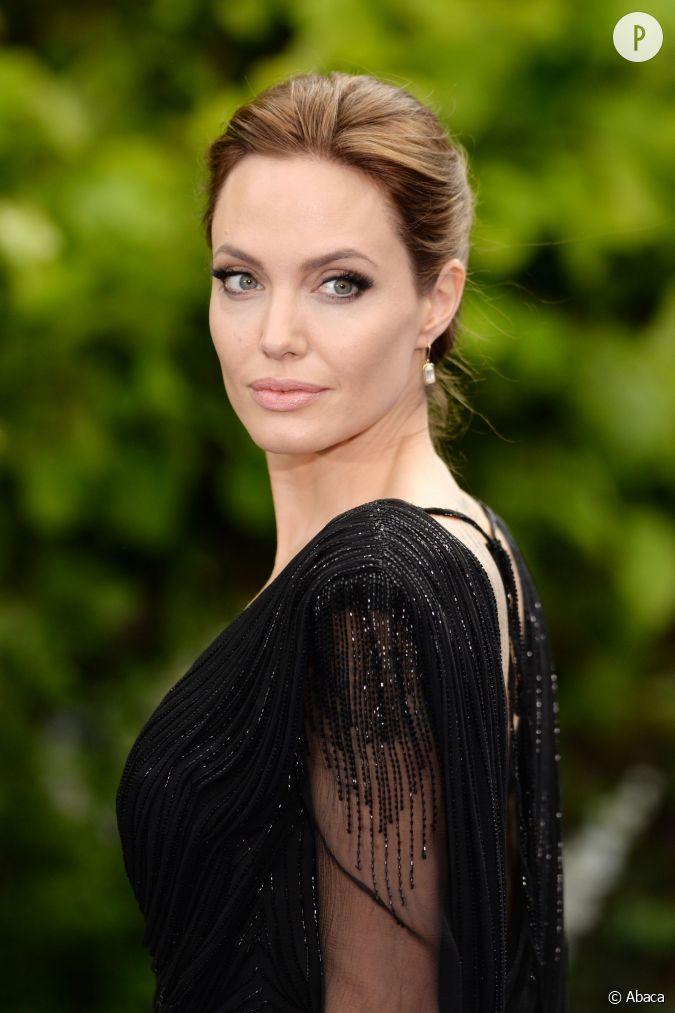 Angelina Jolie, sa scène nue dans Vue sur mer :