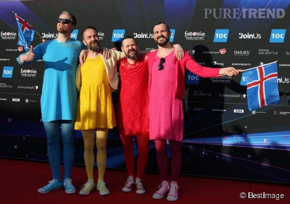 Le groupe islandais    Pallap      ö      nk est un collectif de garçon coquets et colorés, on aime!