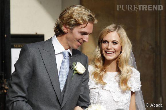 Poppy Delevingne et James Cook se sotn mariés à Londres ce vendredi 16 mai 2014.