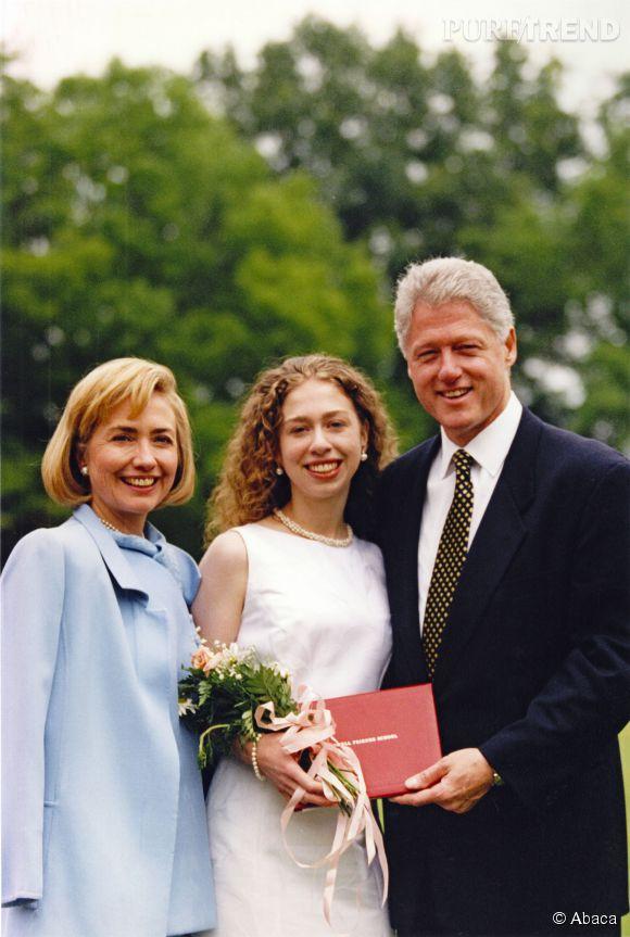 Hillary Clinton et sa famille quittent la Maison Blanche en 1997. Elle spère bien y revenir très bientôt.