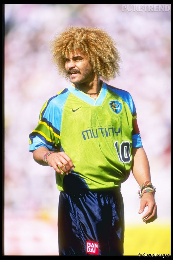 Coiffure cultissime du monde du foot, Carlos Valderrama, footballeur colombien et sa coupe afro en 1996.