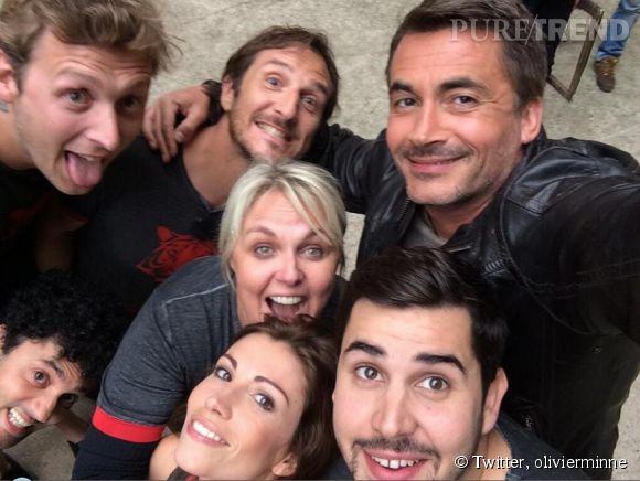 """Olivier Minne immortalise les 25 ans de """"Fort Boyard"""" avec de nombreux selfies postés sur Twitter."""