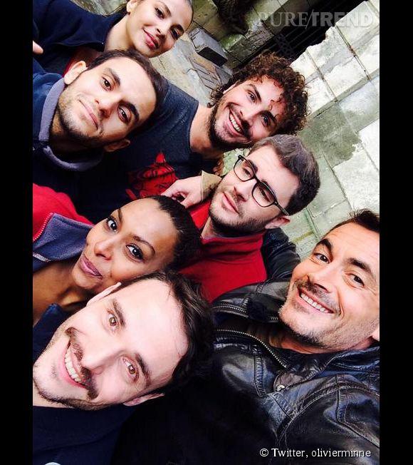"""Olivier Minne, roi du selfie pour les 25 ans de """"Fort Boyard""""."""