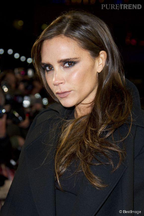 Si Victoria Beckham n'a pas une ride sur le visage à 40 ans, c'est grâce à son cocktail de gélules au collagène à ses pilules au pollen d'abeille...