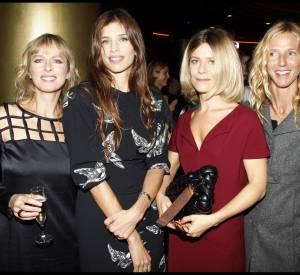 Maïwenn entourée de Karin Viard, Marina Foïs et Sandrine Kiberlain lors du Premier Grand Prix Cinéma du magazine ELLE en octobre 2011.