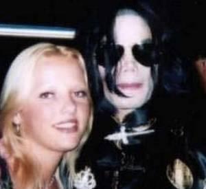 """Joanna de """"Secret Story 8"""", elle ne va pas se laisser faire par l'ancien manager de Michael Jackson et répond sur Twitter !"""