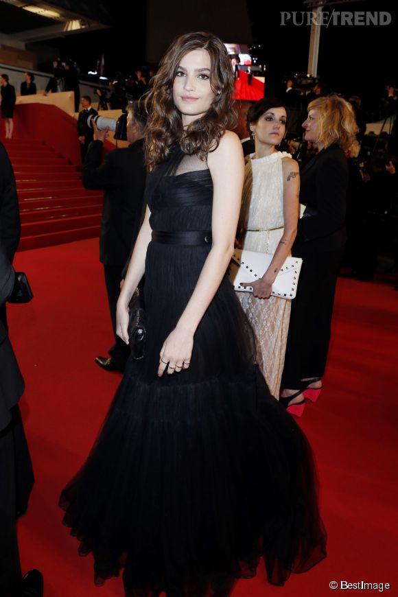 Alma Jodorowsky en tenue de gala au Festival de Cannes 2013.