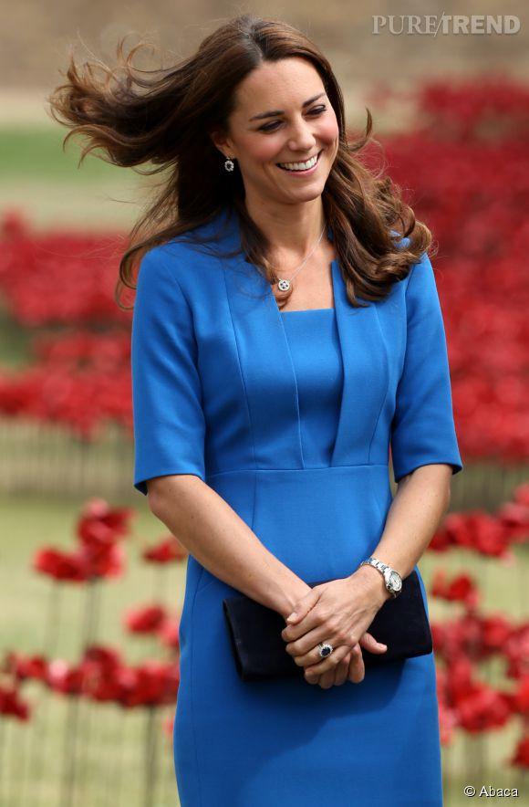 La jolie Kate Middleton est enceinte de son deuxième enfant. Le prince George aura bientôt un frère ou une soeur.