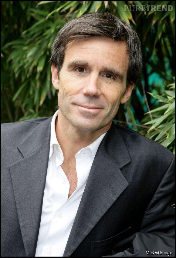 David Pujadas explique pourquoi il a choisi de ne pas parler du livre de Valérie Trierweiler dans le JT de France 2.