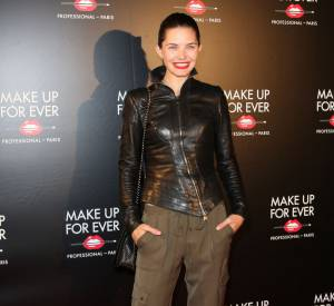 Delphine Chanéac sur le red carpet de la soirée des 30 ans de Make Up For Ever.