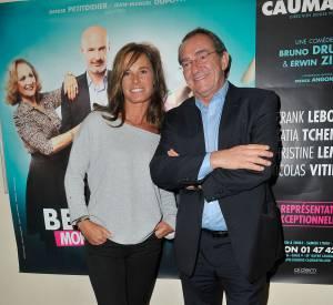 Jean-Pierre Pernaut et Nathalie Marquay, look casual chic pour le duo en sortie au théâtre.