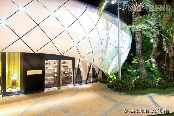 La nouvelle boutique futuriste d'Alexander McQueen à Monaco.No.10Pavillon 5Jardin des Boulingrins98 000 Monaco