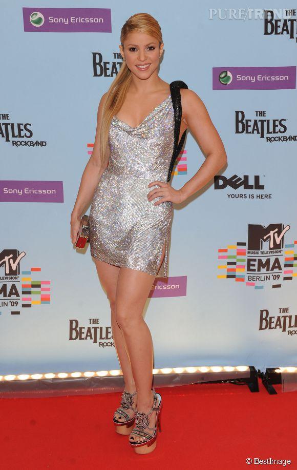 Shakira en mode boule à facettes aux MTV Europe Music Awards 2009 à Berlin.