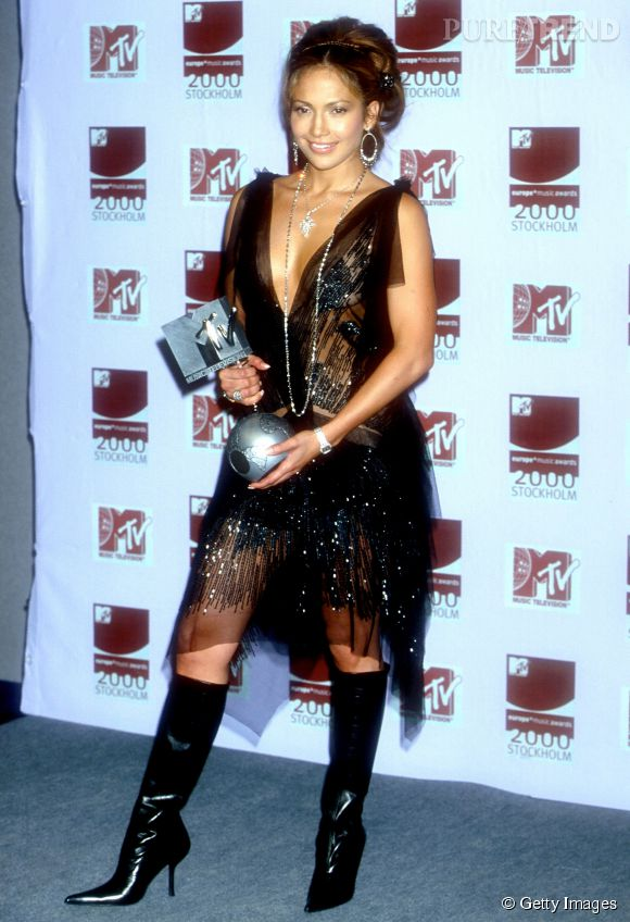 Jennifer Lopez et sa robe transparente en dentelle aux MTV Europe Music Awards 2000 à Stockholm.