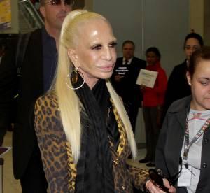 Donatella Versace, gonflée et cireuse : défigurée par la chirurgie