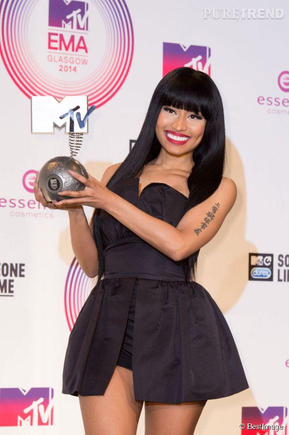 Nicki Minaj remporte le prix de la meilleure artiste hip-hop aux MTV EMA 2014 à Glasgow.