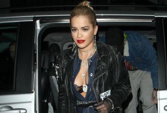 Rita Ora : cuissardes et soutien-gorge en dentelle en plein rue !