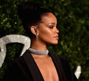 Rihanna nue sous son smoking, sous-vêtements en option sur le red carpet