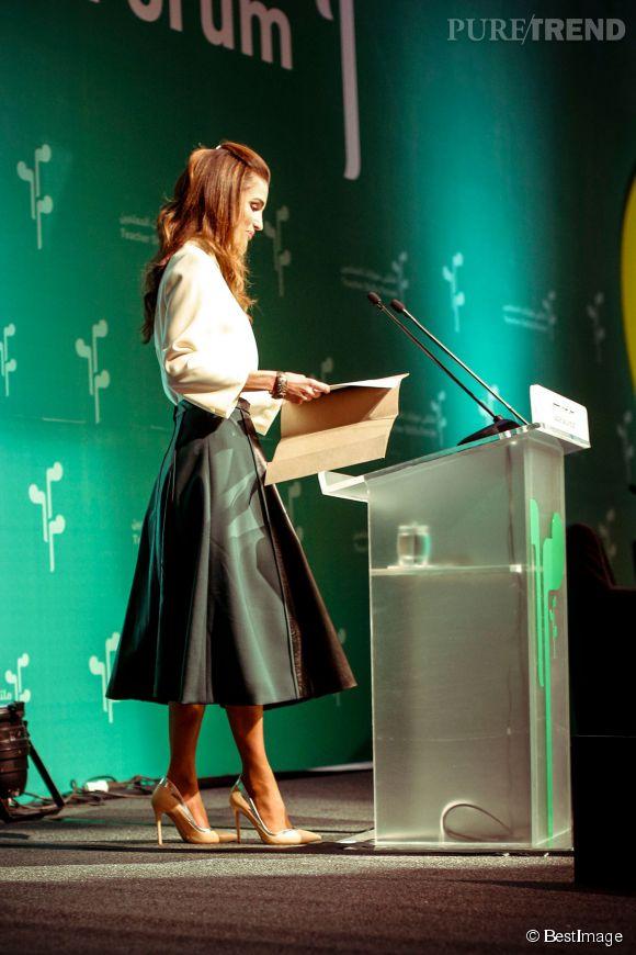 Rania De Jordanie Une Reine Moderne Le Chic A L Etat Pur Puretrend