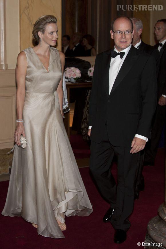 Charlène de Monaco, des allures de Grace Kelly dans une robe évasée en tulle en 2011.