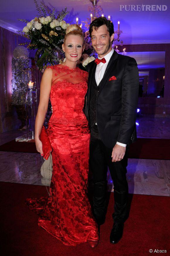 Elodie Gossuin rayonnante en rouge aux côtés de son mari Bertrand Lacherie.