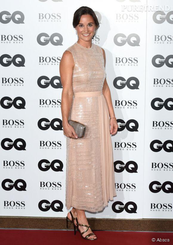 Pippa Middleton et sa robe à paillettes rose poudré aux GQ Men of the Year Awards.