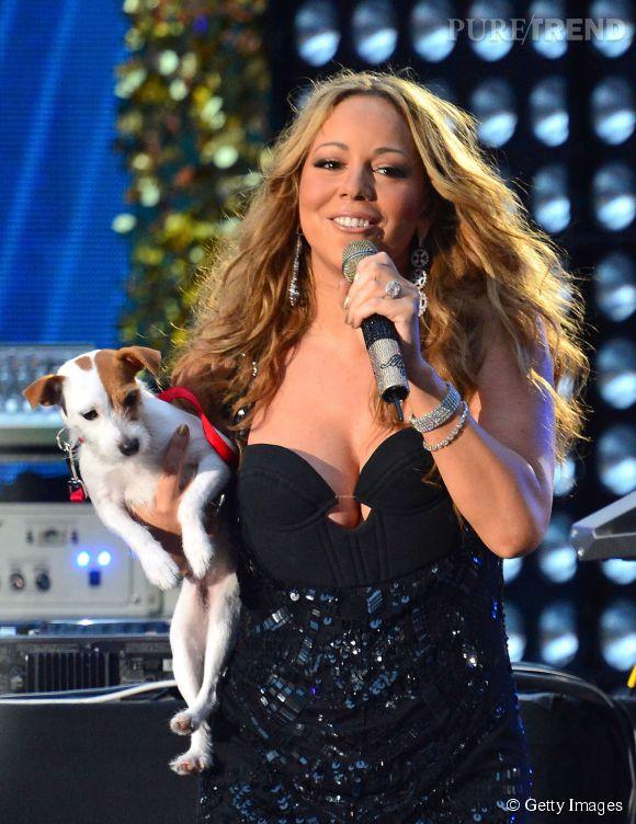 Mariah Carey et l'un de ses huit chiens adorés.