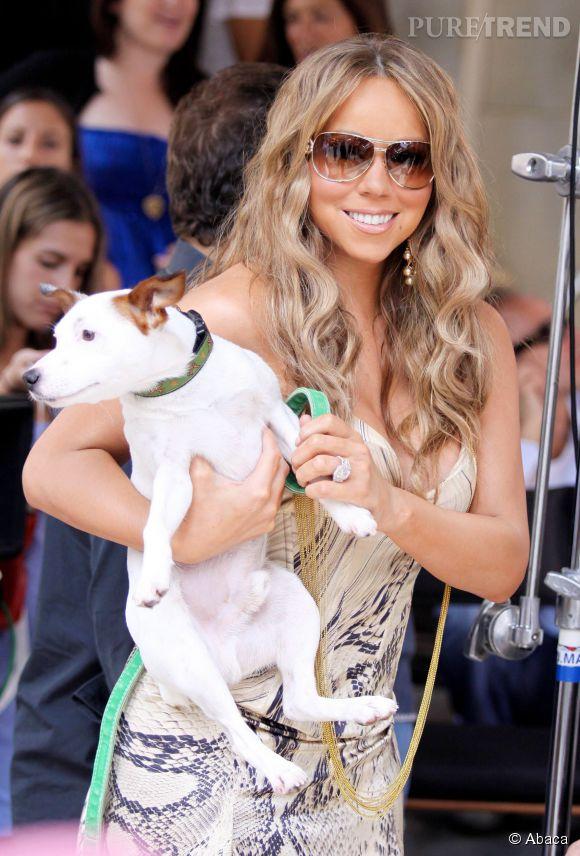 Mariah Carey divorcée, elle se console en chouchoutant ses chiens.