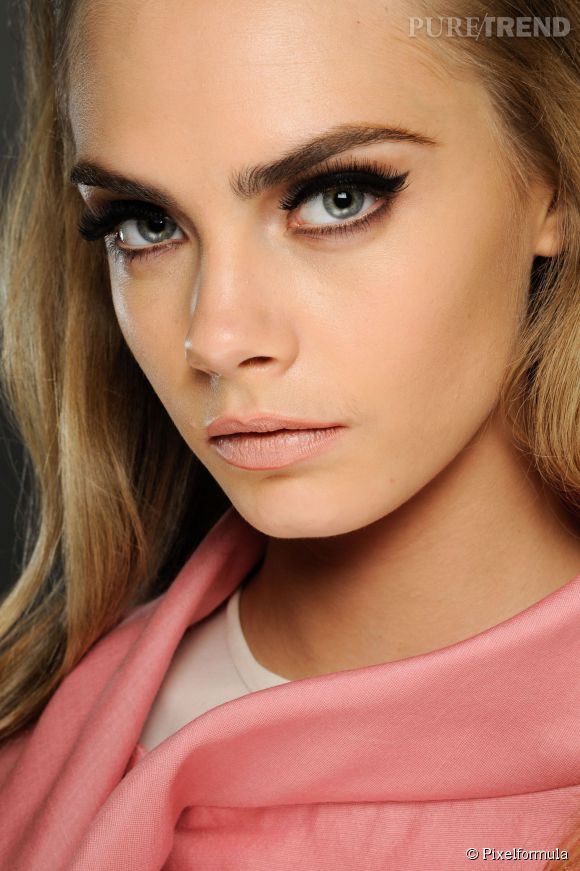 Fabuleux Maquillage yeux gris : nos conseils de pro pour bien les maquiller JB85