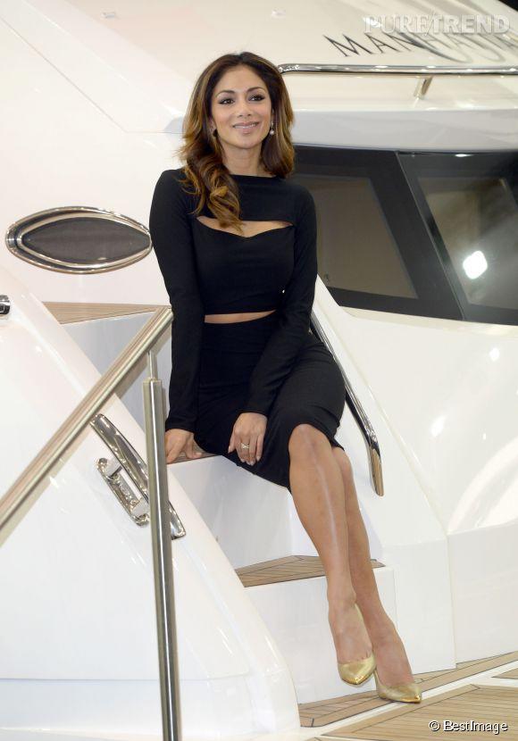 Nicole Scherzinger sort sa robe moulante pour le CWM FX London Boat Show 2015 à Londres.