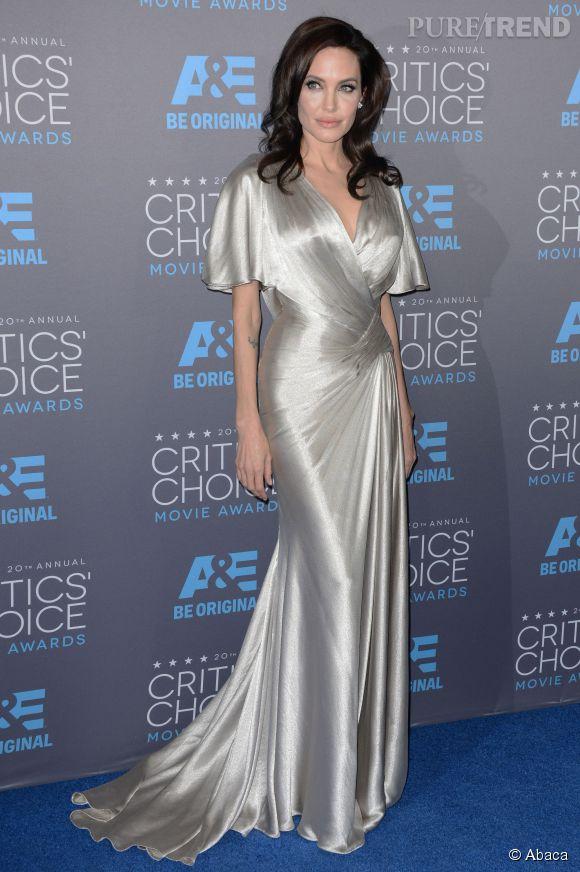 Angelina Jolie, une déesse aux Critics Choice Movie Awards 2015