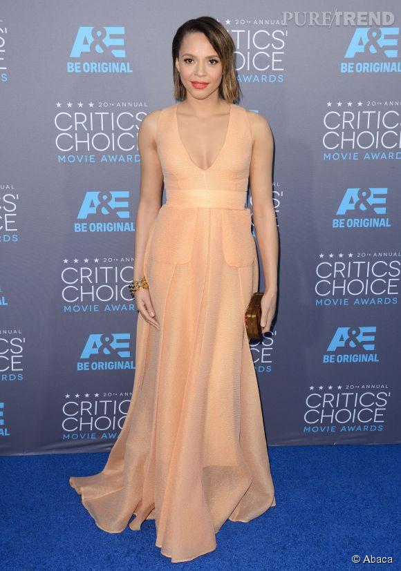 Carmen Ejogo, totalement nude aux Critics Choice Movie Awards 2015