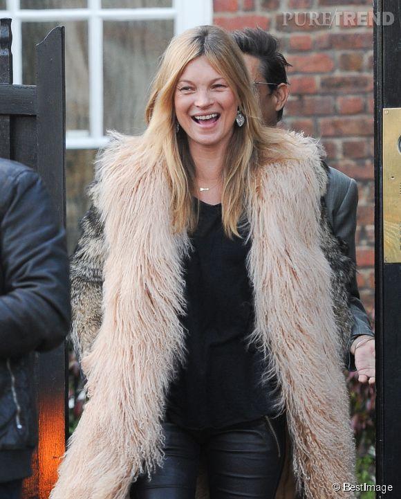 Kate Moss : elle sort le manteau en fourrure !
