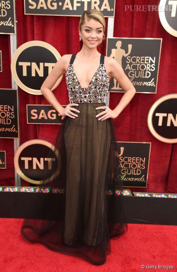 """Sarah Hyland de """"Modern Family"""" en Vera Wang lors des SAG Awards 2015 organisés à Los Angeles le 25 janvier 2015."""