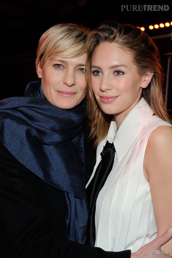 Robin wright et dylan penn l gant duo m re fille la fashion week de paris - Ensemble mere fille ...