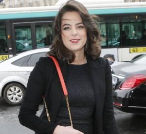 Anouchka Delon, la belle dévoile ses jambes au défilé Haute Couture Elie Saab