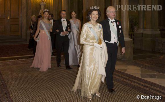 Le roi Carl Gustaf et sa femme la reine Silvia ont organisé un dîner officiel au sein du Palais Royal de Stockholm.