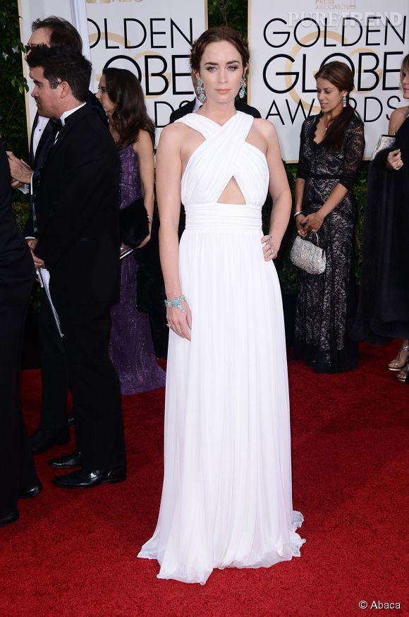 Emily Blunt, déesse grecque en robe signée Michael Kors, sur le tapis rouge des Golden Globes 2015.